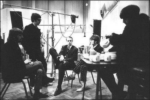 The Beatles in a meeting with George Martin during the Sgt. Pepper sessions - Photo: Frank Hermann